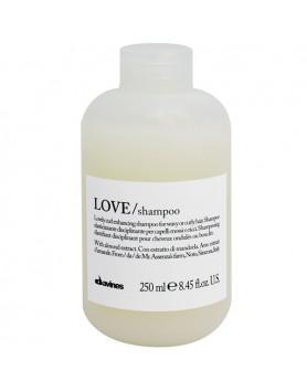 Davines Essential Haircare LOVE/ curl shampoo